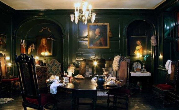 An interior at Dennis Severs House