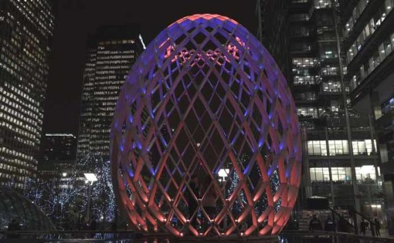An art installation at the Canary Wharf Winter Festival