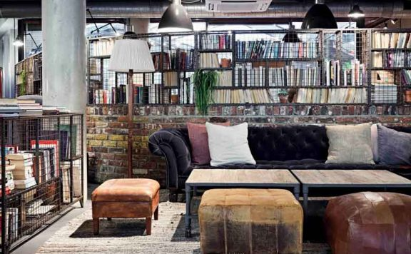 London's cosiest hotels - the lobby at the Hoxton