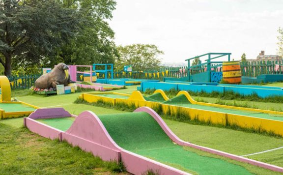 Plonk Crazy Golf, Hackney